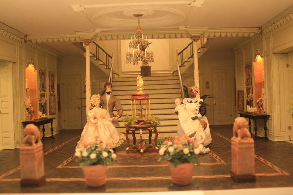 a miniature living room of Lagniappe exhibit in Mini Time Machine museum of miniatures
