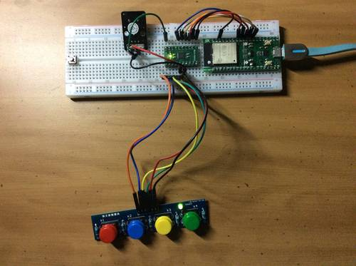 Fipsy FPGA connected to a buzzer and a keypad