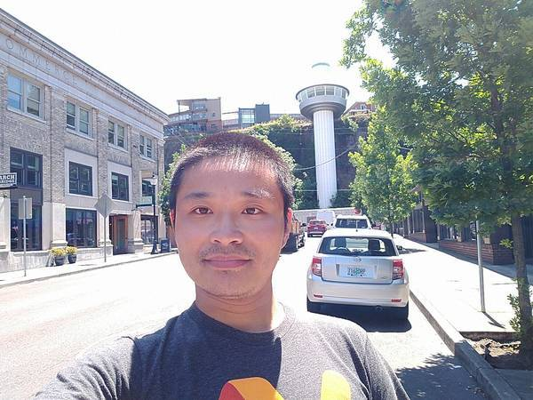 selfie with Oregon City Municipal Elevator