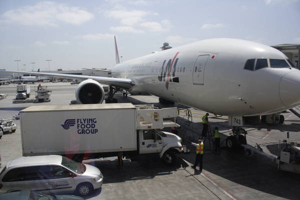 vehicles servicing a Japan Airlines airliner, 2013-05-16